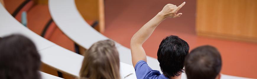 Etudiants dans un amphithéâtre  Fotolia/WavebreakmediaMicro