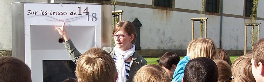 Une classe visite un site de la guerre 14-18. Fondation M.E.R.C.I.