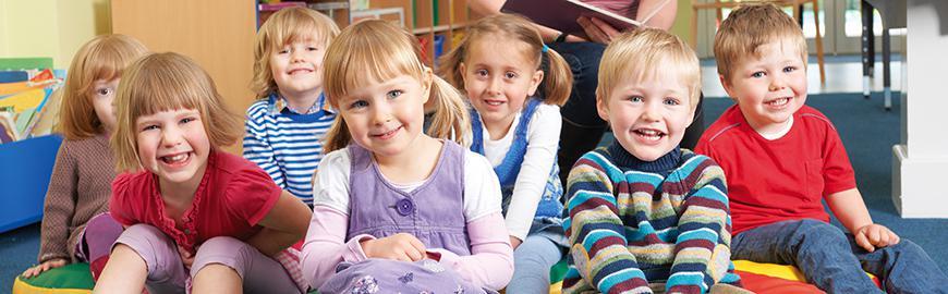 élèves en classe maternelle  Fotolia/highwaystarz