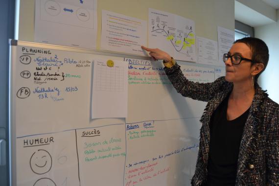 Nathalie Guillaume, directrice, veille à ce que l'équipe se fixe des petits objectifs, pour se voir avancer...